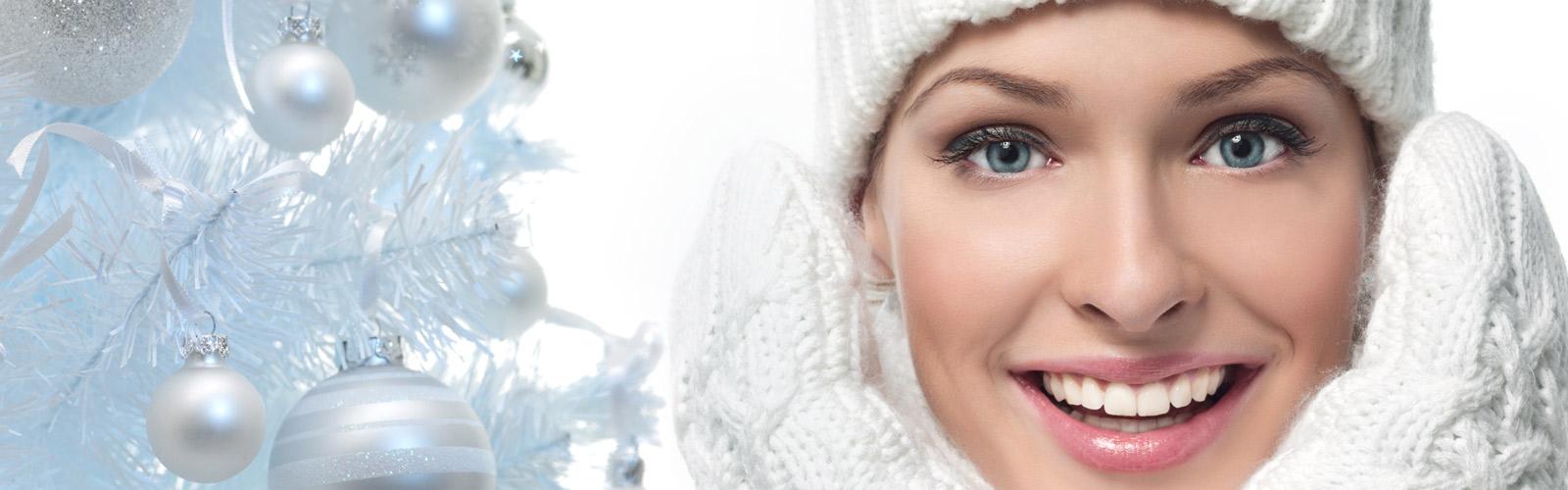 Dame mit Hut im Schnee
